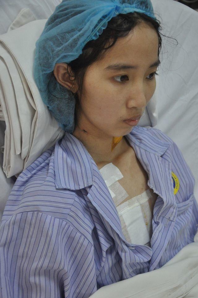 Nữ sinh lớp 12 may mắn thoát chết được bạn đọc Dân trí giúp đỡ hơn 40 triệu đồng - 1