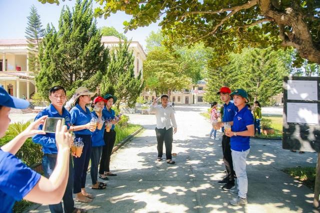 Hơn 1.000 tình nguyện viên tiếp sức mùa thi 2019 khắp nẻo xứ Nghệ - 3