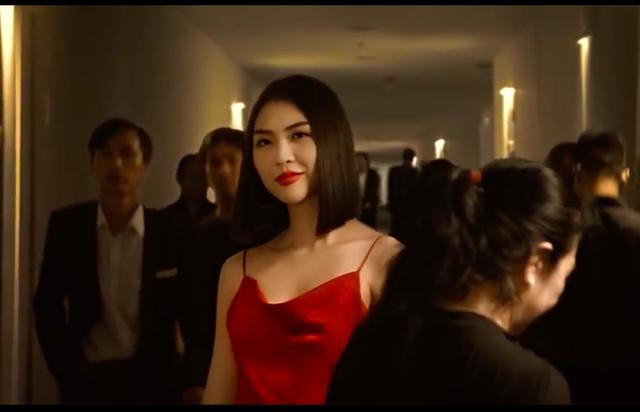 """Hoa hậu Tường Linh run khi đóng cảnh ấu dâm thang máy với """"200k"""" - 2"""