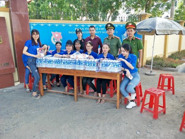 Hơn 1.000 tình nguyện viên tiếp sức mùa thi 2019 khắp nẻo xứ Nghệ - 8