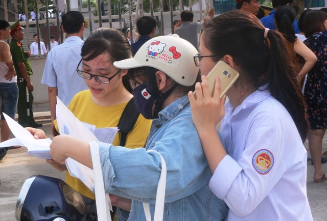 Hà Nam: Tỷ lệ đỗ tốt nghiệp THPT đạt 97,57%, hơn 200 thí sinh trượt tốt nghiệp - 1