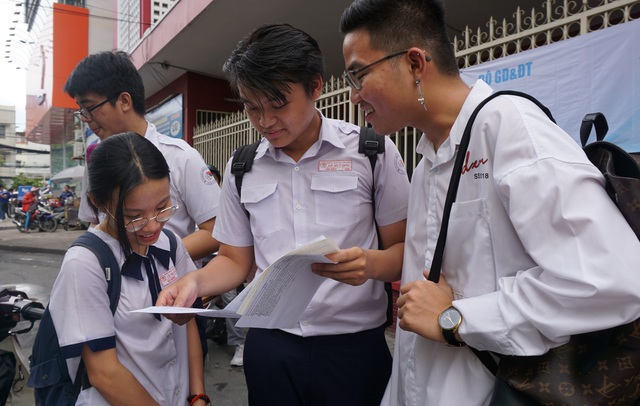 Sở GD-ĐT TP.HCM: Xin lỗi thí sinh vì sự cố thiếu mã đề thi - 2