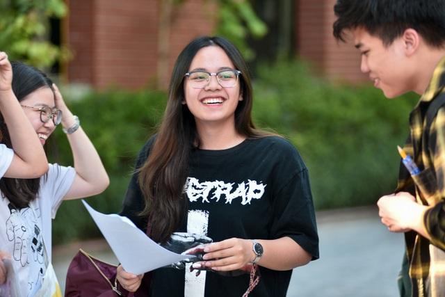 Thí sinh rạng rỡ kết thúc buổi thi Ngoại ngữ THPT quốc gia 2019 - 9