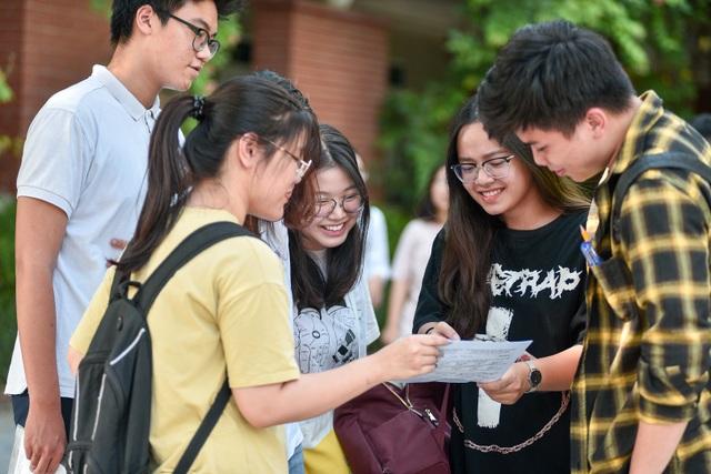 Thí sinh rạng rỡ kết thúc buổi thi Ngoại ngữ THPT quốc gia 2019 - 2