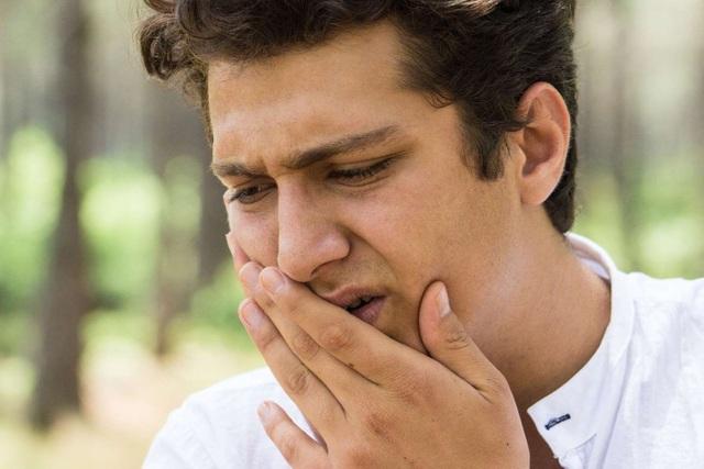 Các dấu hiệu và triệu chứng của ung thư miệng - 1