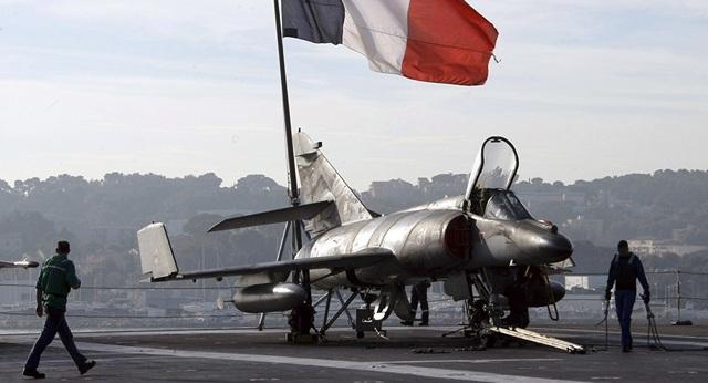 Pháp cảnh báo Mỹ không kéo NATO vào chiến dịch quân sự ở vùng Vịnh - 1