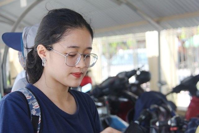 Hà Tĩnh: Dàn thí sinh THPT quốc gia gây thương nhớ vì vẻ ngoài xinh xắn - 5
