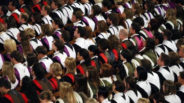 Anh:Mức lương sinh viên tốt nghiệp chênh lệnh lớn theo từng trường - 1