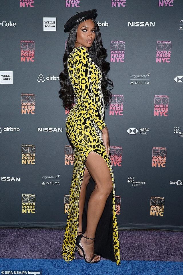 Ciara đẹp bốc lửa với trang phục táo bạo - 1