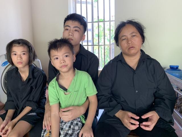 Bố chết thảm, mẹ tâm thần, ba đứa trẻ sống lay lắt không nơi nương tựa - 12