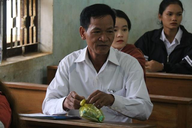 Vượt cả trăm km đi thi, thí sinh MNông 50 tuổi muốn làm gương cho cả buôn làng - 4