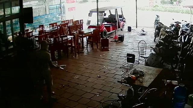 Vụ đánh nhau náo loạn khu du lịch: Khởi tố, bắt giam chủ một nhà hàng - 1