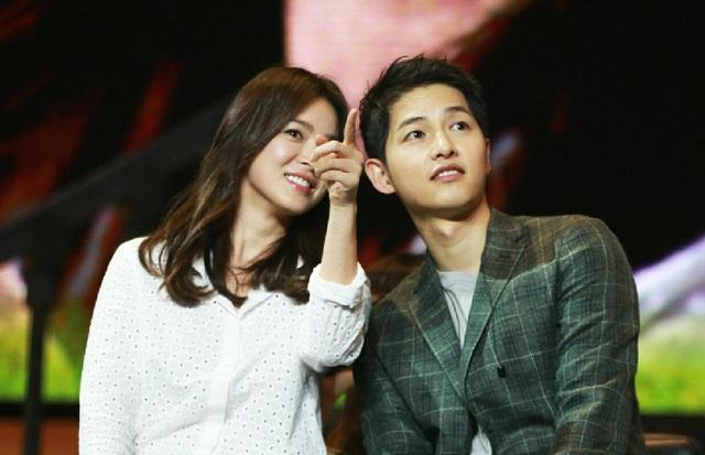 Hình ảnh ngọt ngào của Song Hye Kyo - Song Joong Ki trước khi chia tay - 16