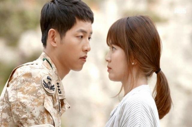 Hình ảnh ngọt ngào của Song Hye Kyo - Song Joong Ki trước khi chia tay - 1