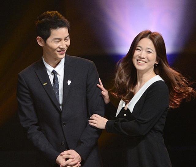 Hình ảnh ngọt ngào của Song Hye Kyo - Song Joong Ki trước khi chia tay - 8