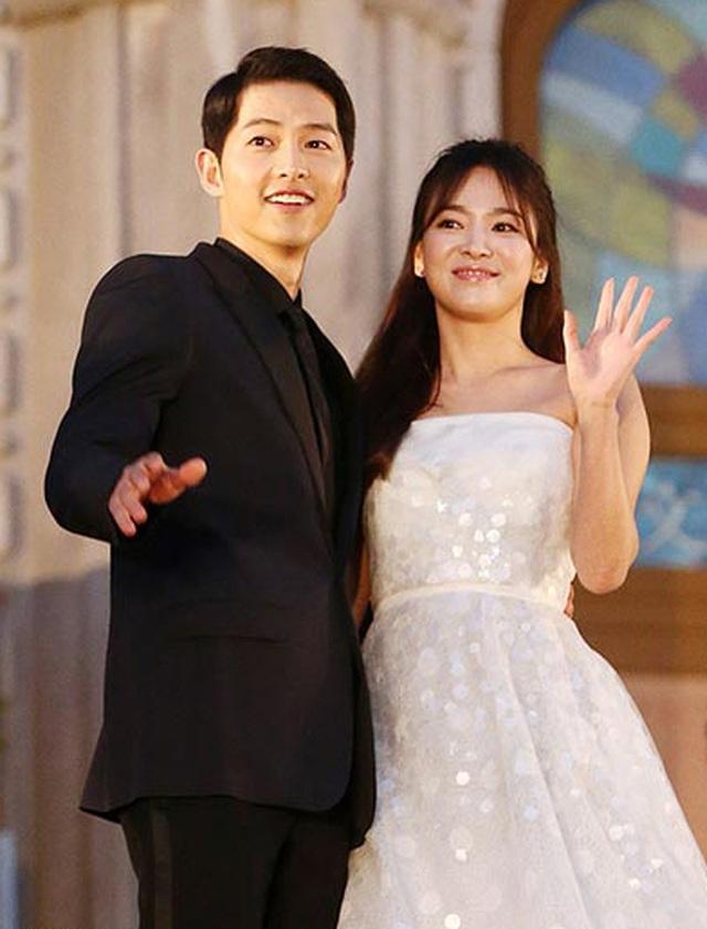 Hình ảnh ngọt ngào của Song Hye Kyo - Song Joong Ki trước khi chia tay - 9