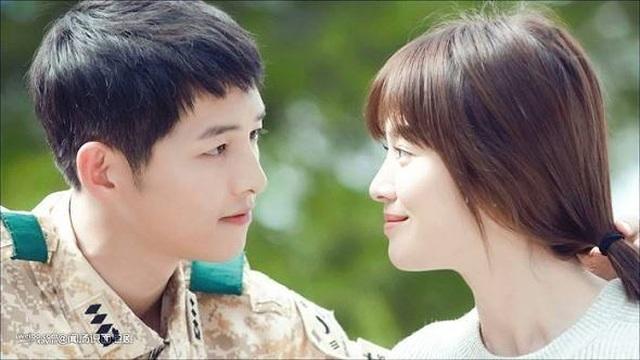 Hình ảnh ngọt ngào của Song Hye Kyo - Song Joong Ki trước khi chia tay - 3