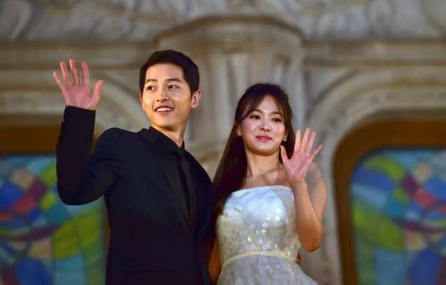 Hình ảnh ngọt ngào của Song Hye Kyo - Song Joong Ki trước khi chia tay - 23