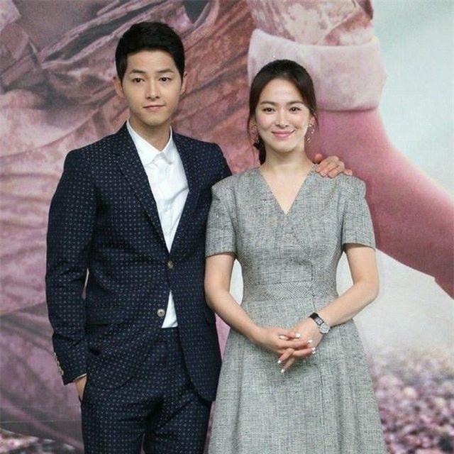 Hình ảnh ngọt ngào của Song Hye Kyo - Song Joong Ki trước khi chia tay - 5