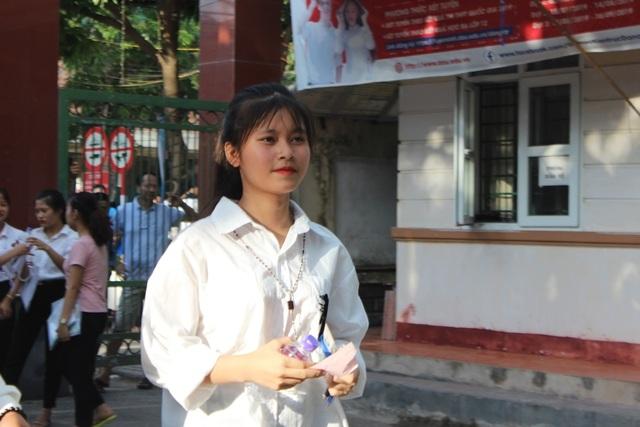 Hà Tĩnh: Dàn thí sinh THPT quốc gia gây thương nhớ vì vẻ ngoài xinh xắn - 4
