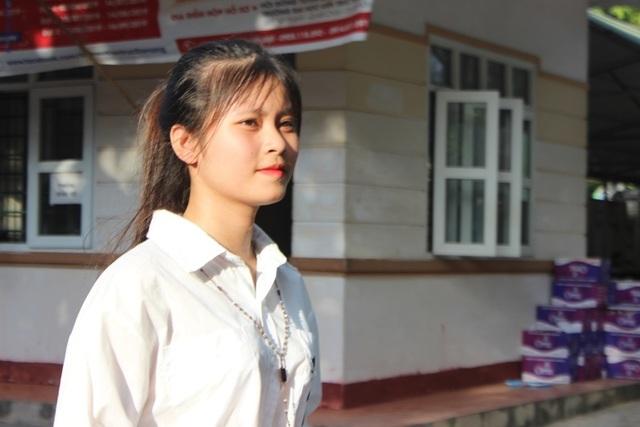Hà Tĩnh: Dàn thí sinh THPT quốc gia gây thương nhớ vì vẻ ngoài xinh xắn - 3