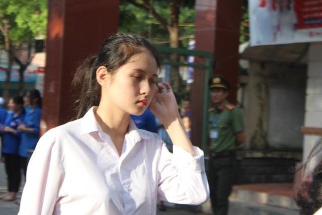 Hà Tĩnh: Dàn thí sinh THPT quốc gia gây thương nhớ vì vẻ ngoài xinh xắn - 2