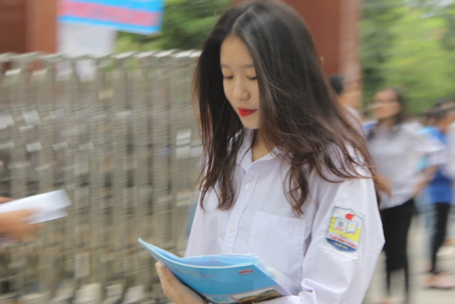 Hà Tĩnh: Dàn thí sinh THPT quốc gia gây thương nhớ vì vẻ ngoài xinh xắn - 11