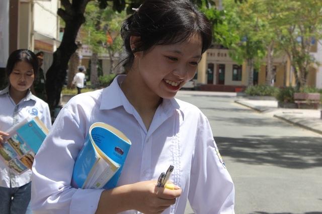 Hà Tĩnh: Dàn thí sinh THPT quốc gia gây thương nhớ vì vẻ ngoài xinh xắn - 8