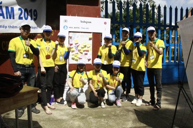 Những hình ảnh đẹp về tiếp sức mùa thi tại Đắk Lắk - 1