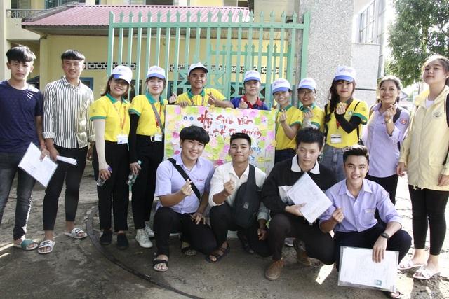 Những hình ảnh đẹp về tiếp sức mùa thi tại Đắk Lắk - 3