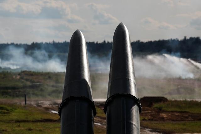 Ấn tượng dàn vũ khí Nga khai hỏa tại triển lãm quân sự - 11