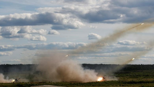Ấn tượng dàn vũ khí Nga khai hỏa tại triển lãm quân sự - 2