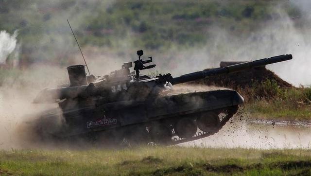 Ấn tượng dàn vũ khí Nga khai hỏa tại triển lãm quân sự - 5
