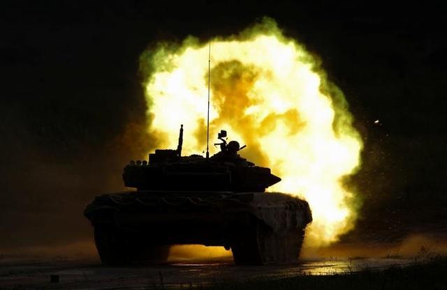 Ấn tượng dàn vũ khí Nga khai hỏa tại triển lãm quân sự - 8