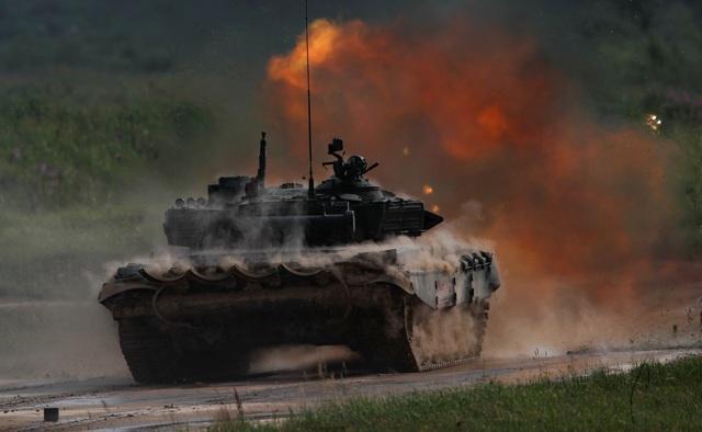 Ấn tượng dàn vũ khí Nga khai hỏa tại triển lãm quân sự - 9