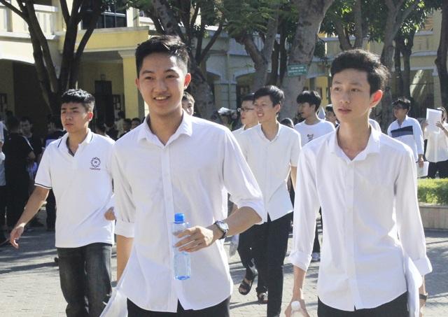 Nghệ An: 126 thí sinh bị điểm liệt, tỷ lệ đỗ tốt nghiệp thấp hơn năm ngoái - 1