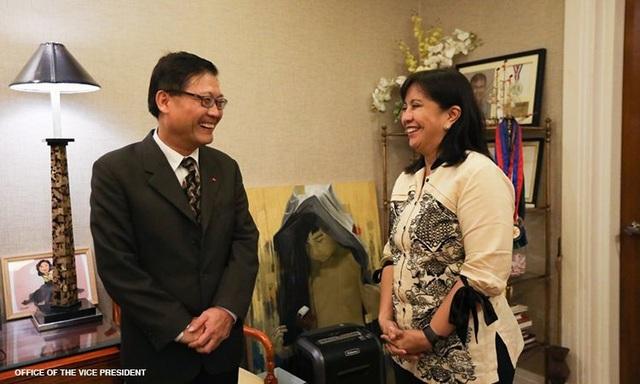 Phó Tổng thống Philippines cảm ơn tàu Việt Nam cứu 22 ngư dân trên Biển Đông - 1