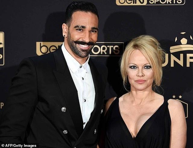 Pamela Anderson tái xuất sau khi tố bồ trẻ lừa tình - 7