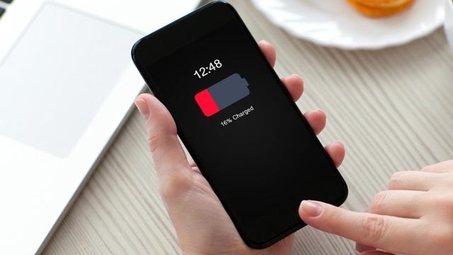 Tại sao smartphone ngày một tốt lên, nhưng pin vẫn tệ như xưa? - 1