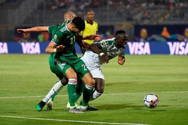 CAN 2019: Algeria gây sốc khi đánh bại đội bóng của ngôi sao Sadio Mane - 3