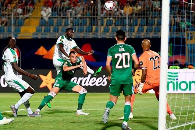 CAN 2019: Algeria gây sốc khi đánh bại đội bóng của ngôi sao Sadio Mane - 1