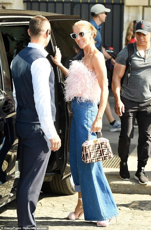 Celine Dion tiếp tục phong cách thời trang xa hoa - 1