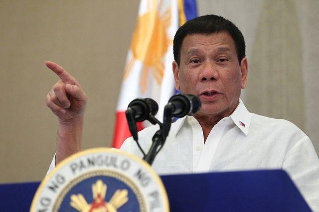 """Tổng thống Philippines dọa bỏ tù người đòi luận tội ông vì """"làm bạn"""" với Trung Quốc - 1"""
