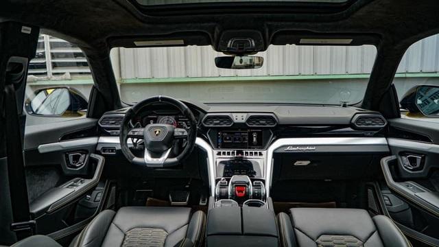 Lamborghini Urus 21 tỷ màu độc về tay đại gia Sài Gòn - 5