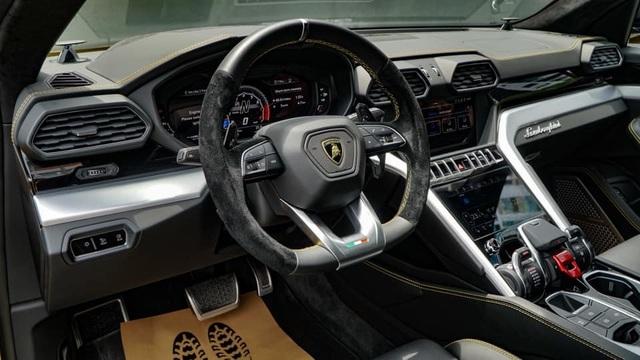 Lamborghini Urus 21 tỷ màu độc về tay đại gia Sài Gòn - 6