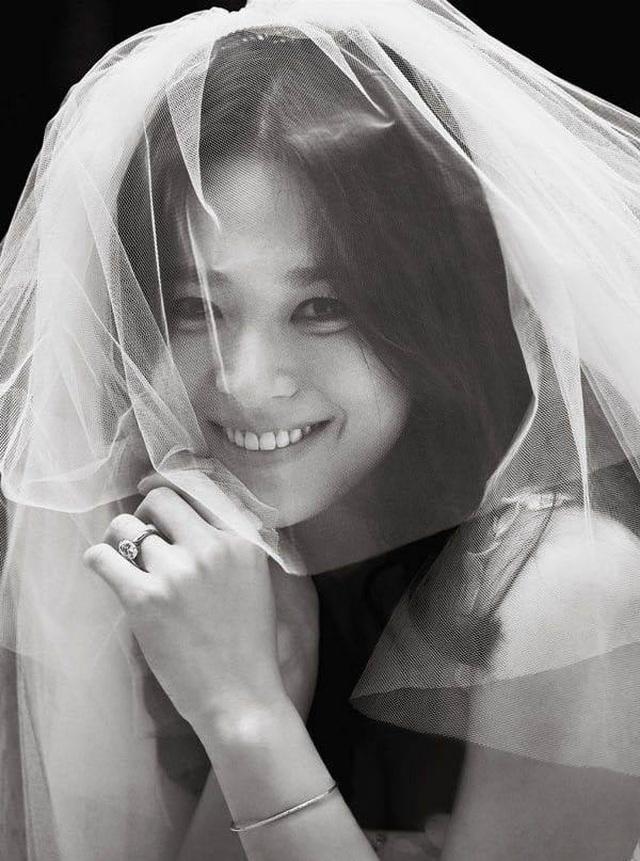 """Showbiz Việt ngập tràn tin tình ái, tranh cãi """"yêu nhanh, cưới vội, ly hôn bất ngờ"""" - 2"""