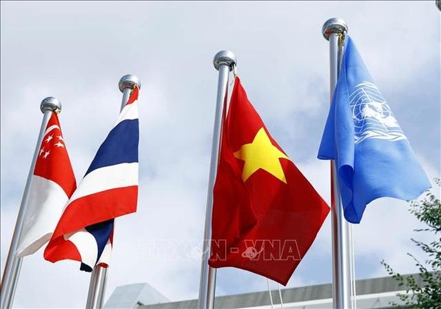 Thủ tướng: Việt Nam đang nỗ lực chuyển đổi số toàn bộ nền kinh tế-xã hội - 3