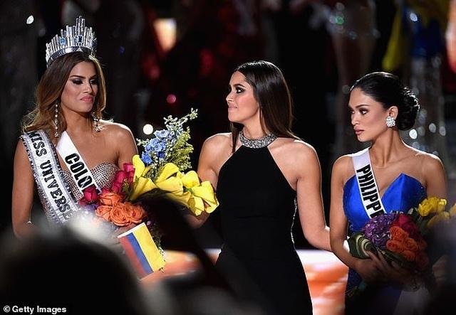 Dáng vóc bốc lửa của người đẹp bị trao nhầm vương miện hoa hậu hoàn vũ - 5