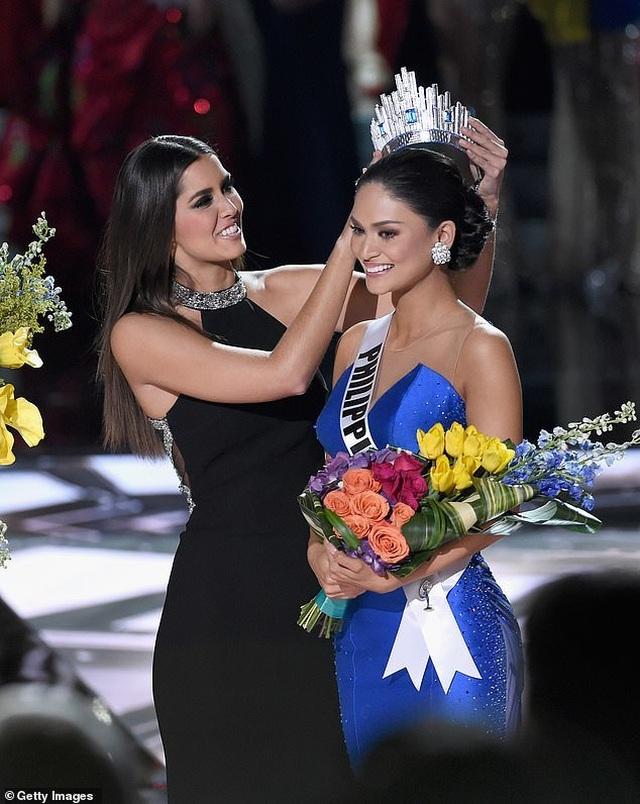 Dáng vóc bốc lửa của người đẹp bị trao nhầm vương miện hoa hậu hoàn vũ - 6