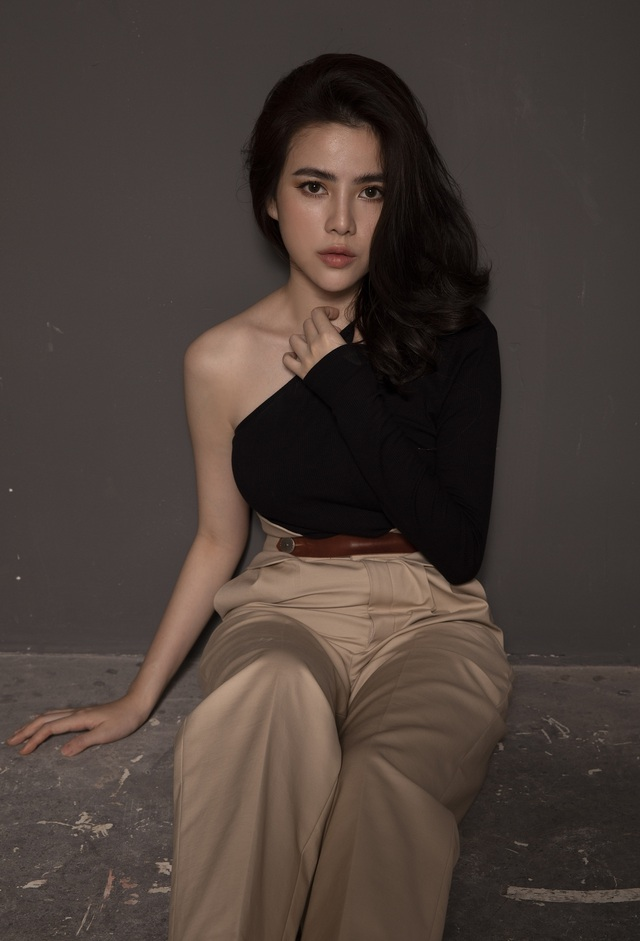 """Con gái diễn viên Hữu Tiến thừa nhận """"dao kéo"""", từng bị tẩy chay - 6"""